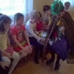 Светлячок дарит жилеты детям